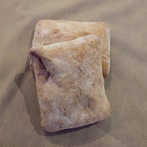 Ración de pan de chapata recién horneado